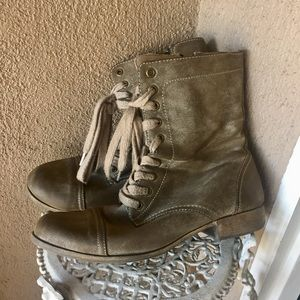 MIA Boho Zip up boots with laces